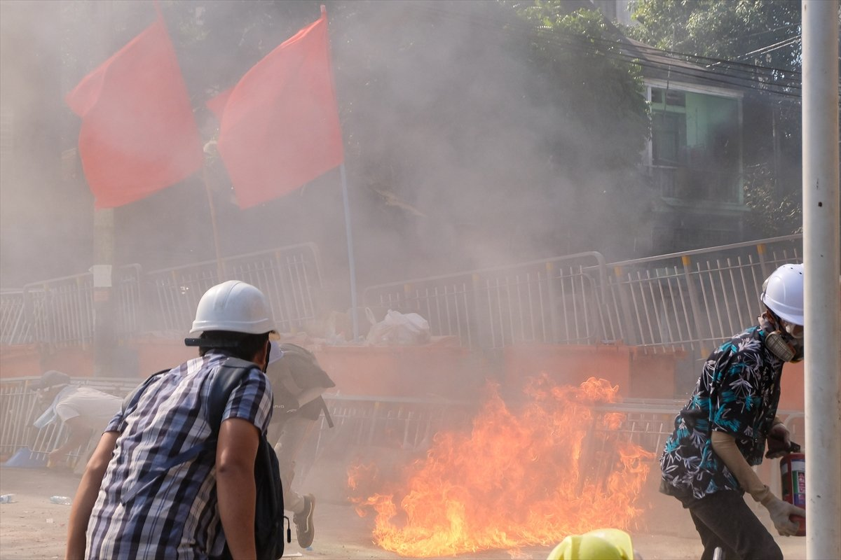 Myanmar'da orduya ait YouTube kanalları kapatıldı #4