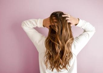 Saçınızın sağlıklı olup olmadığını kontrol etmenin 4 yolu